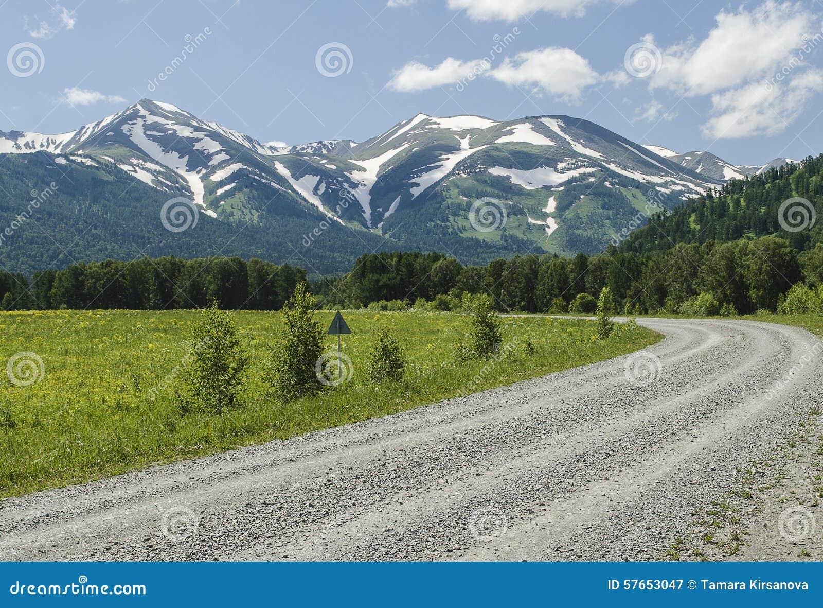 Droga śnieżne góry