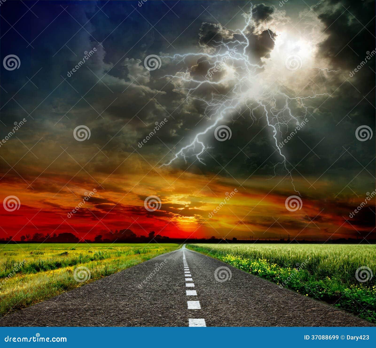 Download Droga niebo obraz stock. Obraz złożonej z rosochaty, półmrok - 37088699
