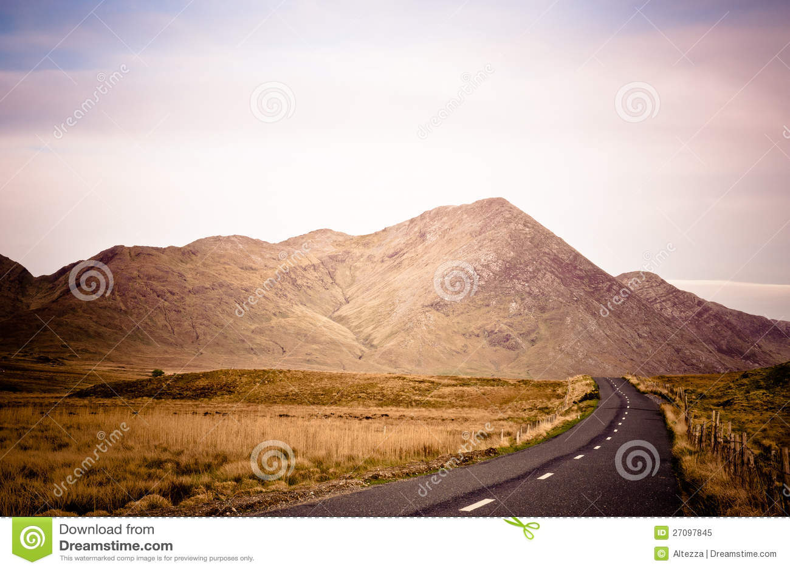 Droga w Connemara, Irlandia