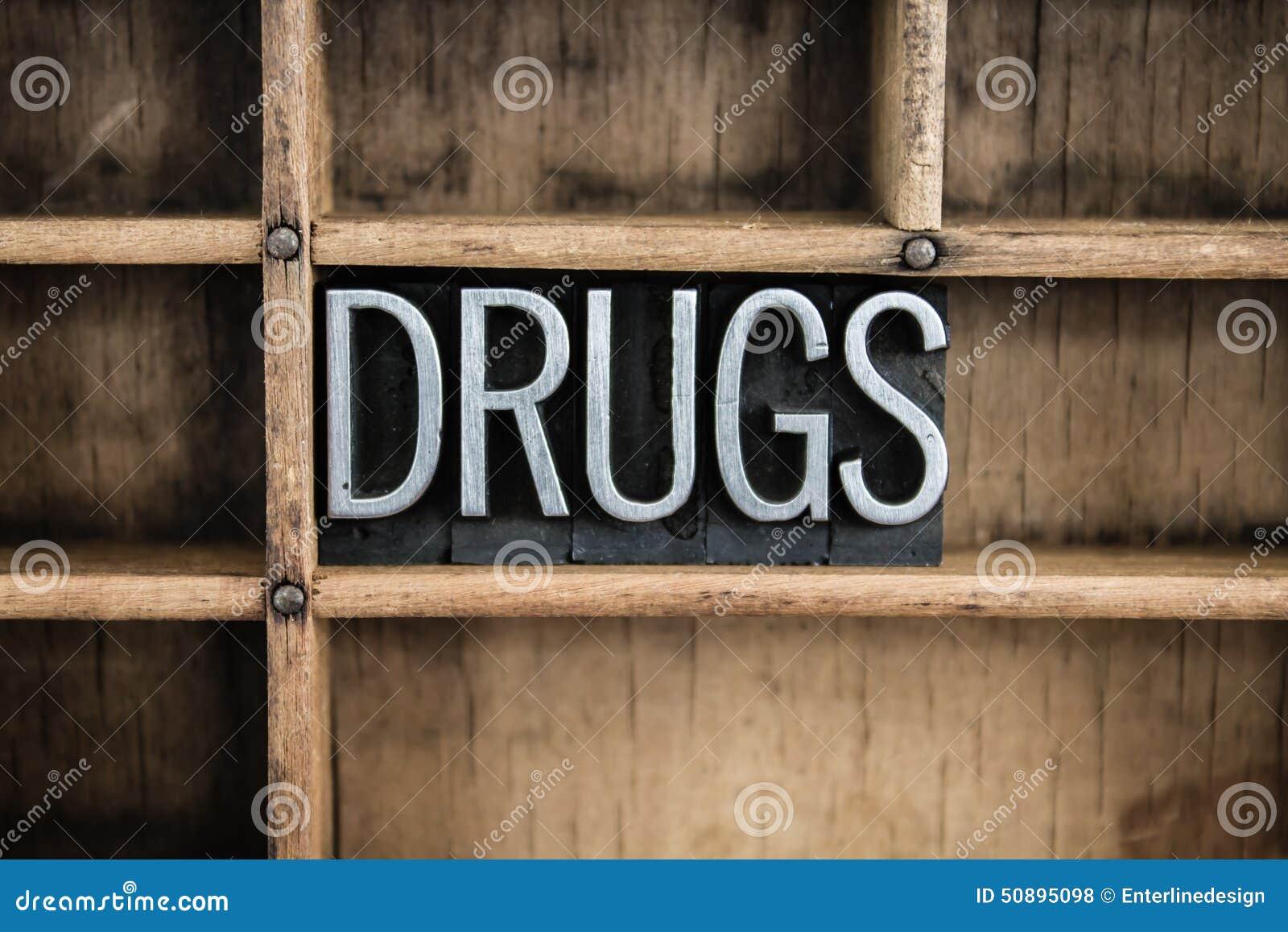 Drogen-Konzept-Metallbriefbeschwerer-Wort im Fach