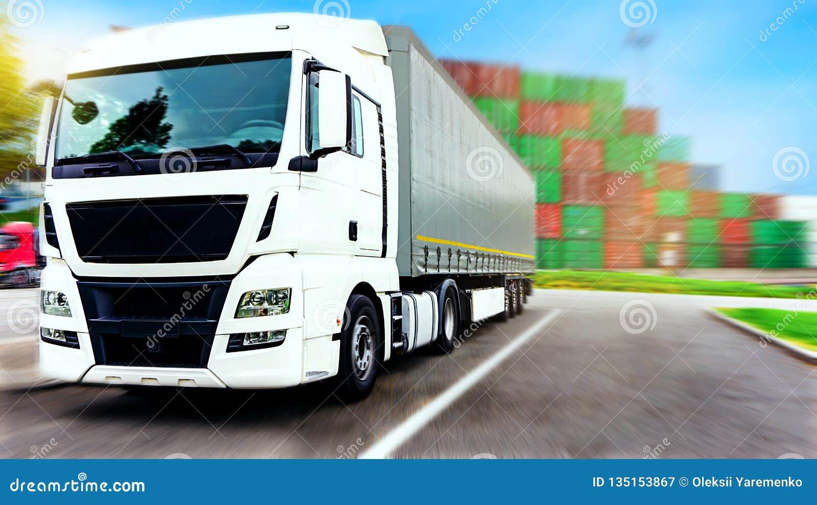 Drogowa Pyrenees halna ciężarówka Spain Handlowy transport