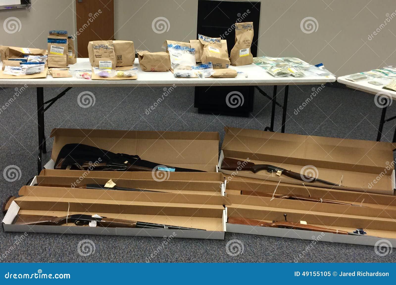 Drogues, armes à feu et preuves