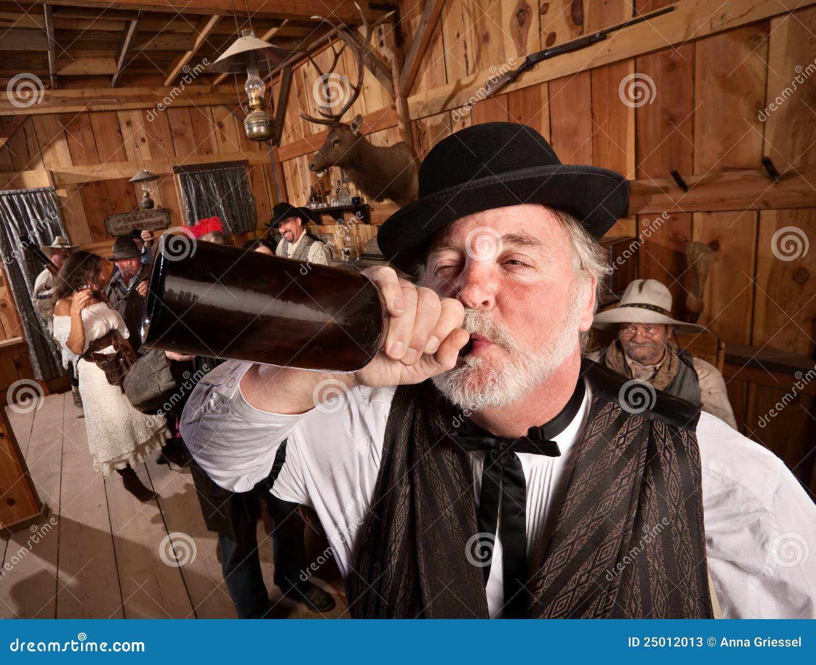 Dronken Mens in Staaf