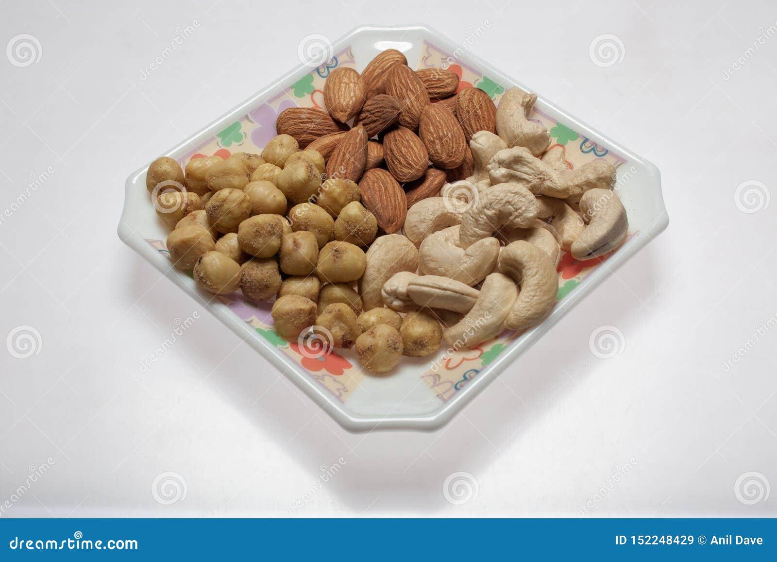Droog geroosterde gezouten van de cashewnoten kalyan dichtbijgelegen mumbai van de pistachekikkererwt maharashtra INDIA