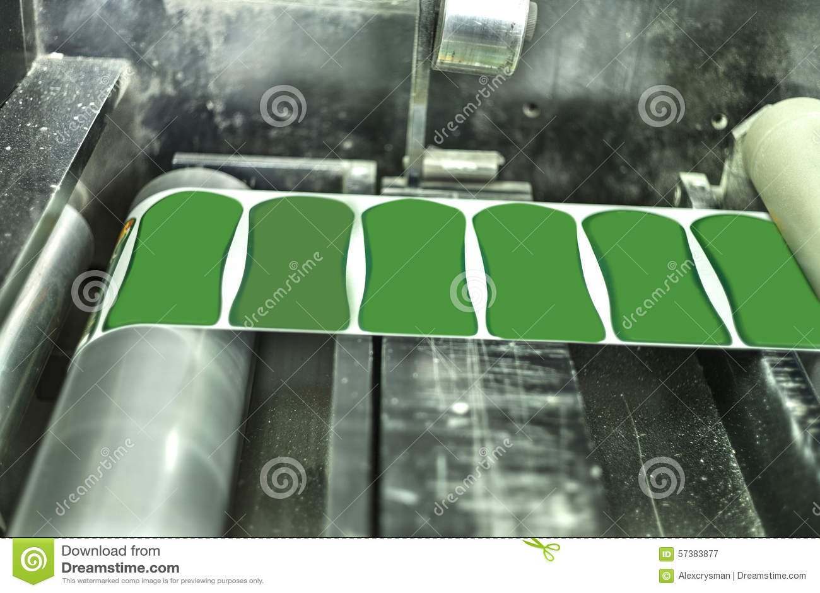 Druketiketten op de machine van de Etiketdruk