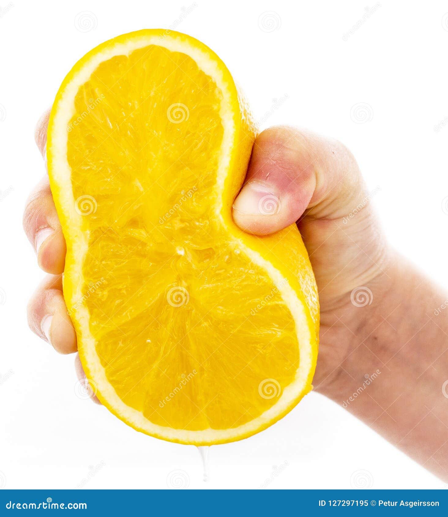 Drukkend sinaasappel op een witte achtergrond wordt geïsoleerd die