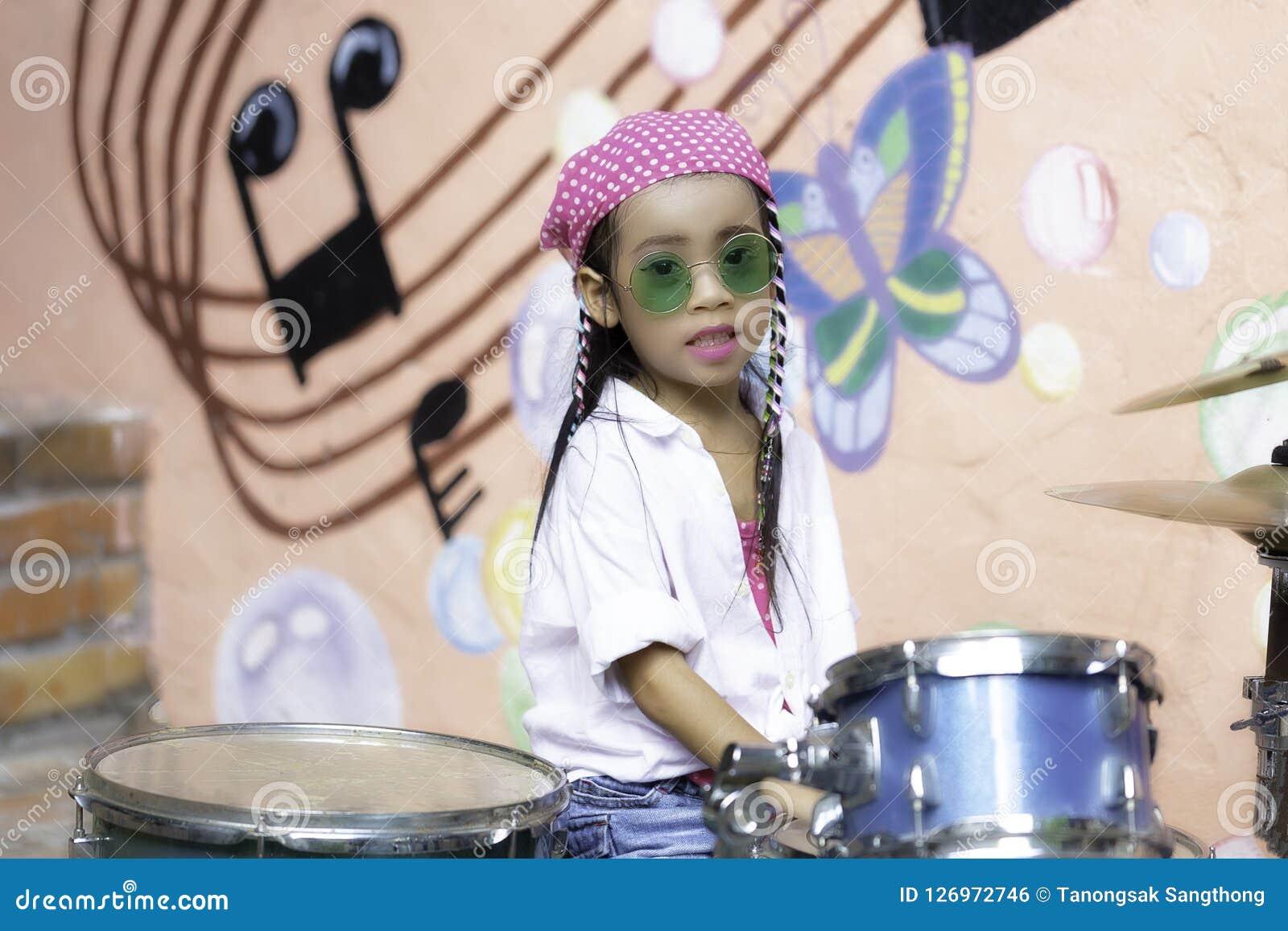 Drum flickan