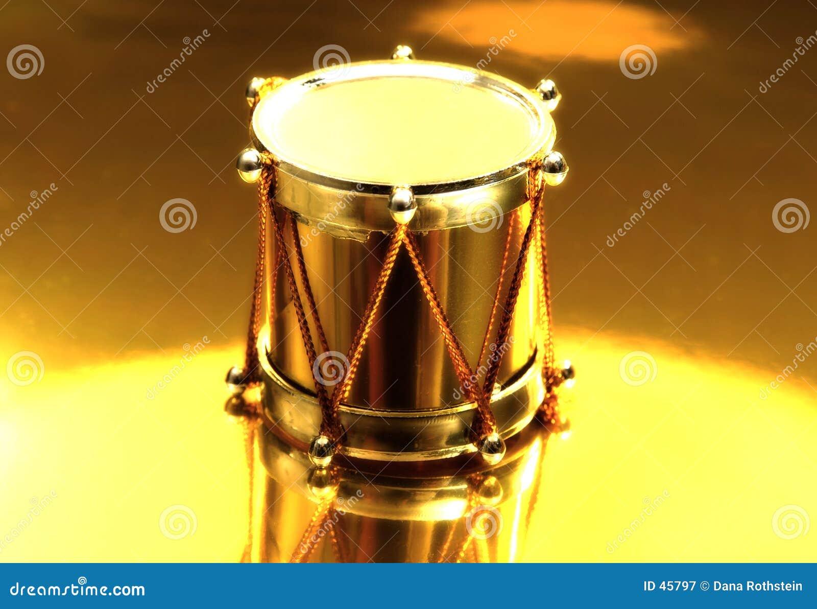 Drum złoto