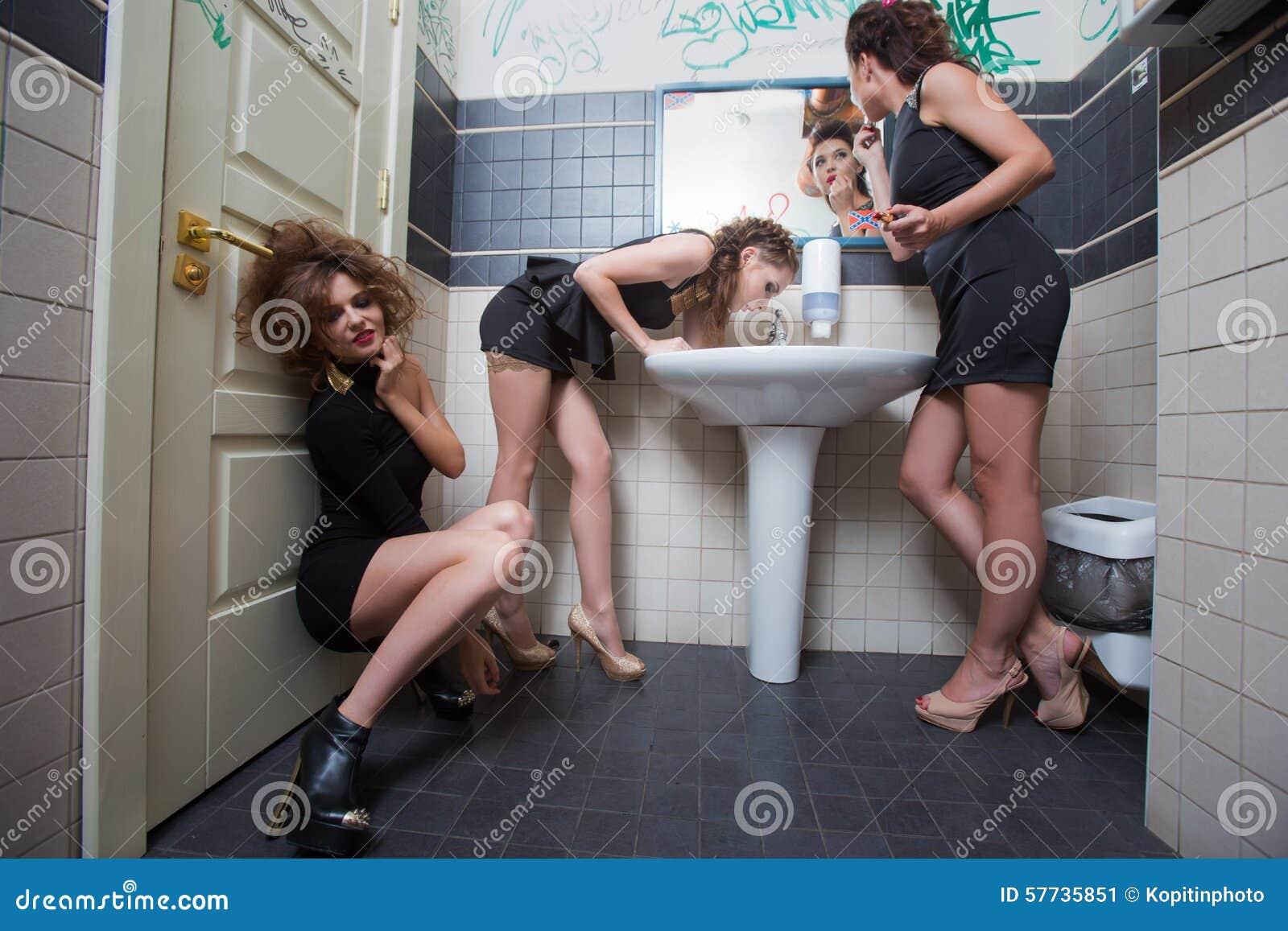 Пяни девка секс, Порно пьяные. Секс с пьяными девками 24 фотография