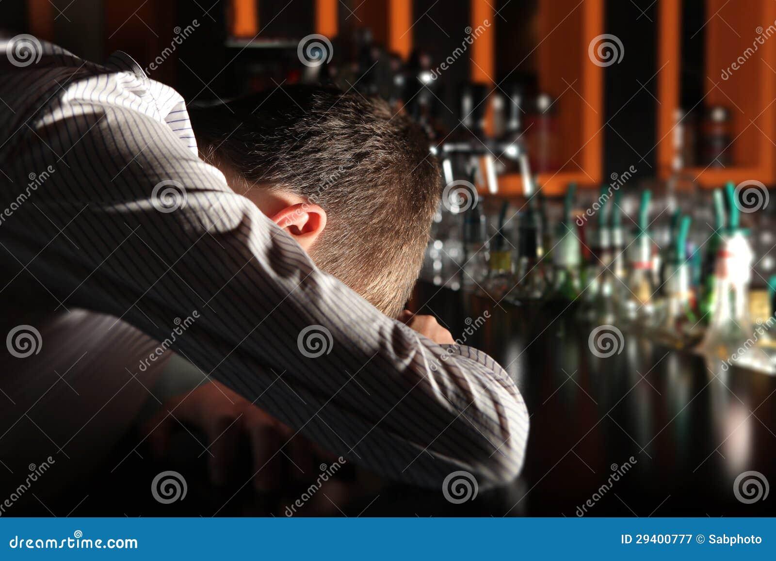 Фото парней у барной стойки 15 фотография
