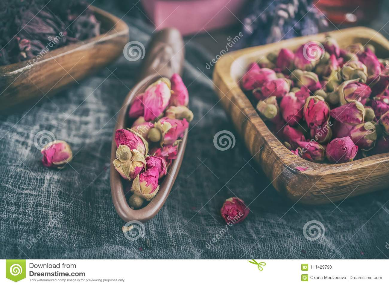 Dry Rose Buds For Tea And Dried And Dried In Hibiscus Sugar Chinese