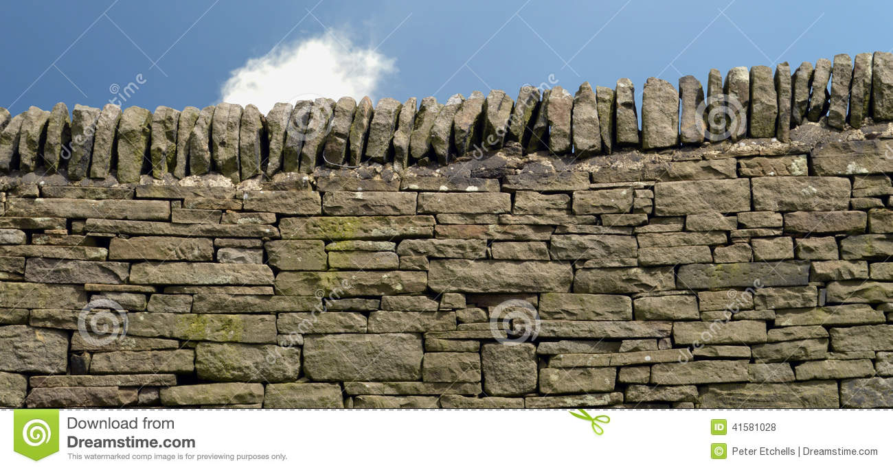 The History and Craft of Dry Stone Walls | Merchant & Makers