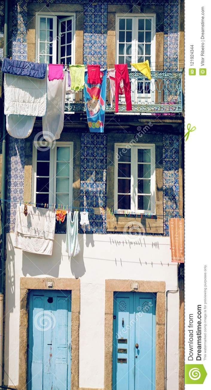Drying clothes in Oporto street