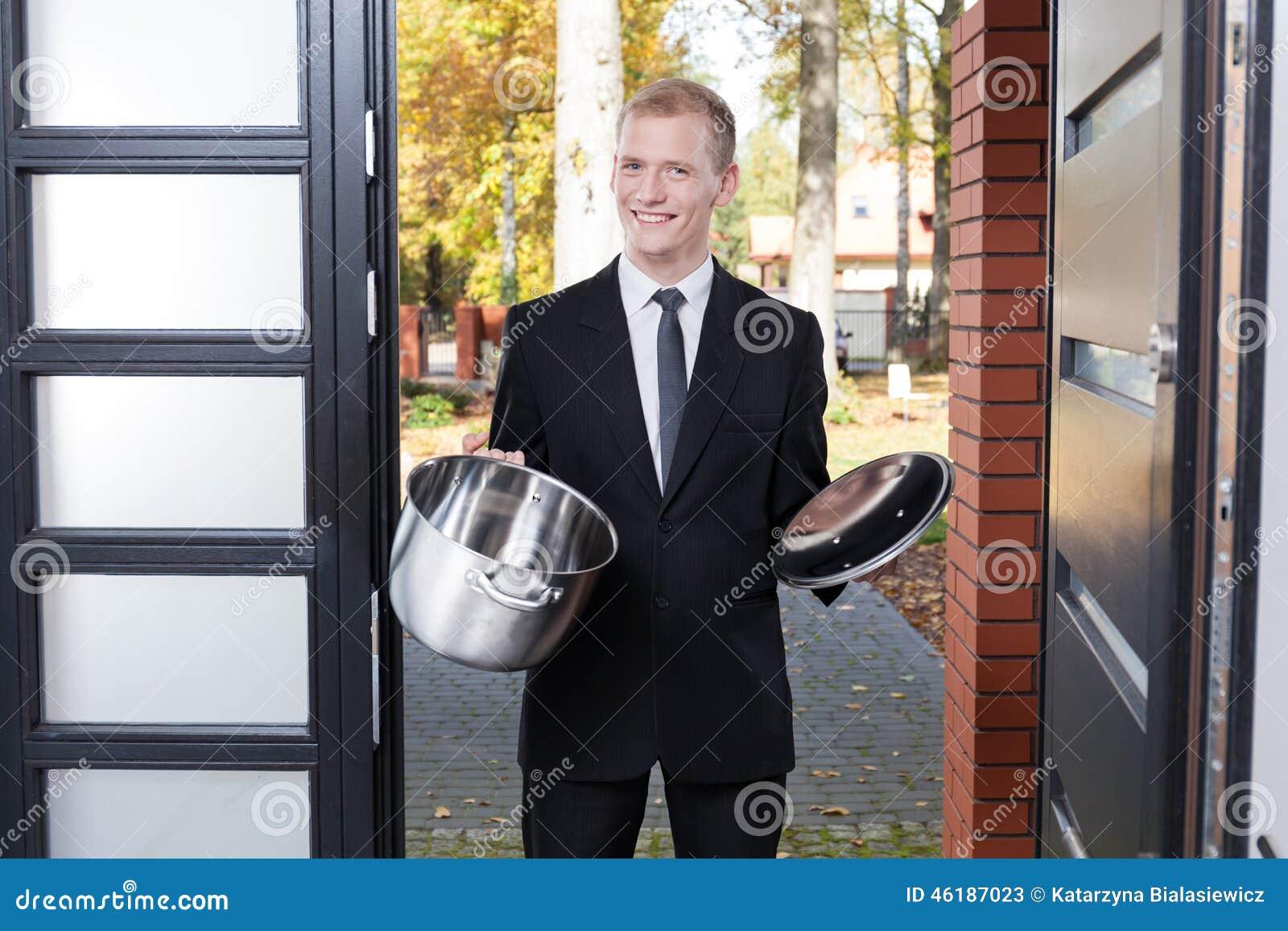 Drzwi drzwiowy sprzedawca
