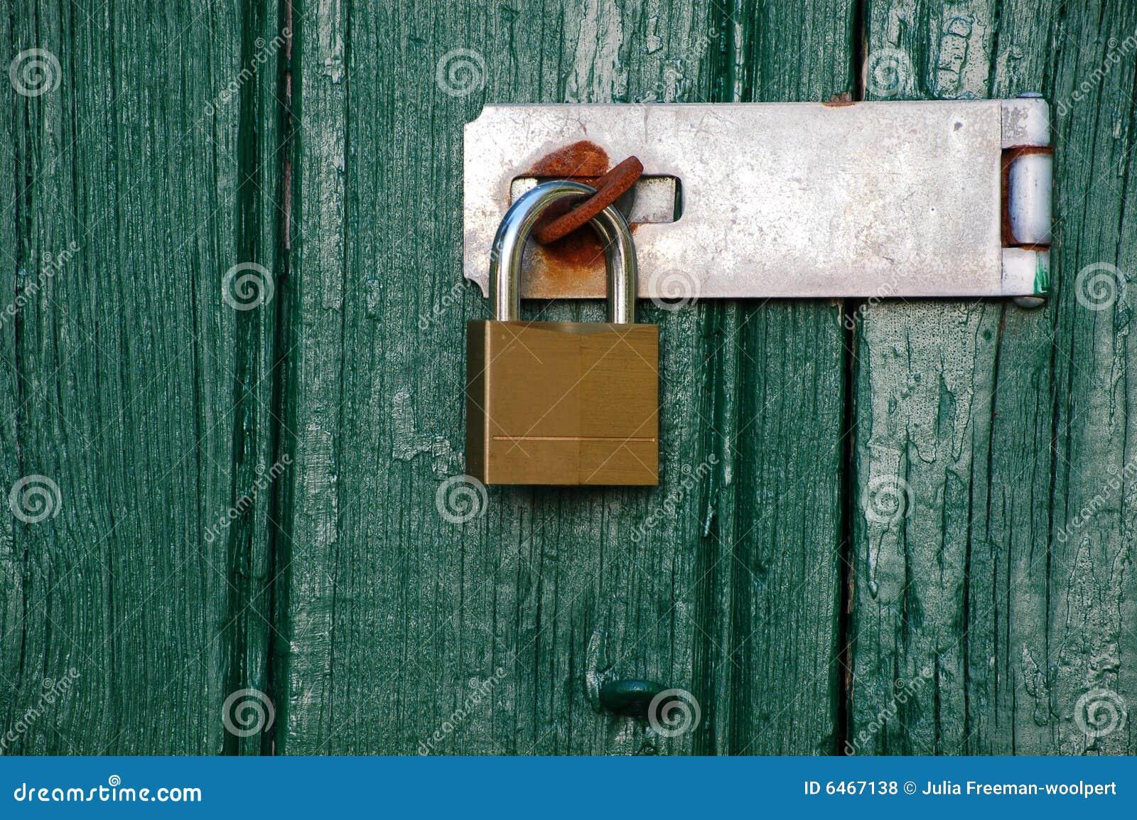 Drzwi kłódka drewniana metalu