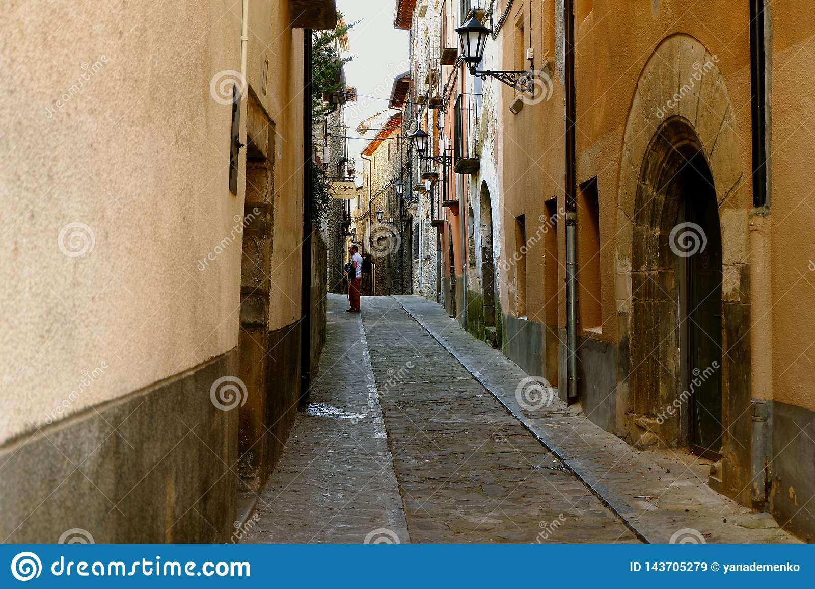 Narrow streets of Boltanya, spanish countryside