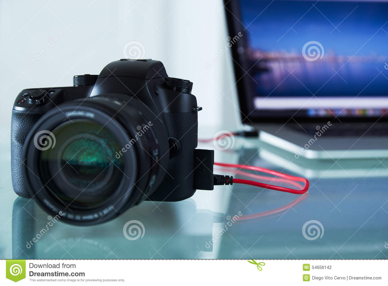 Camera To Computer Cable : Dslr photo camera tethered to laptop computer with usb