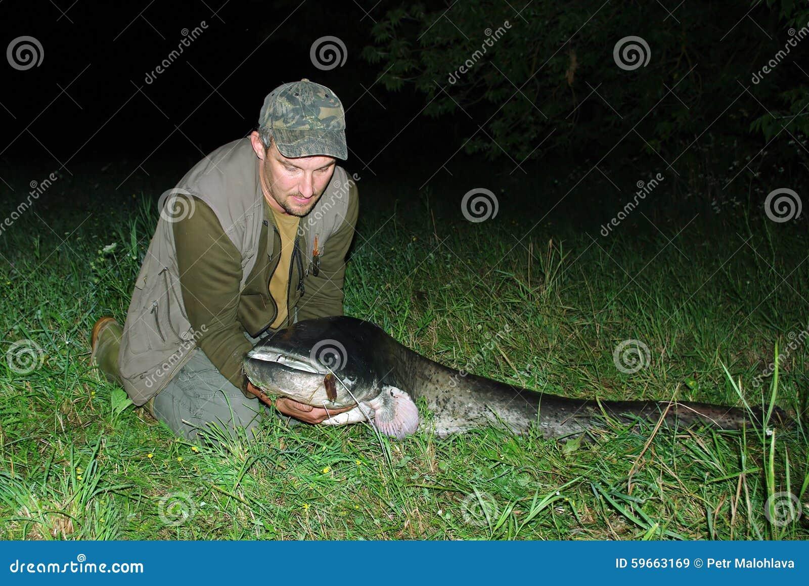 Duży rybi rybak