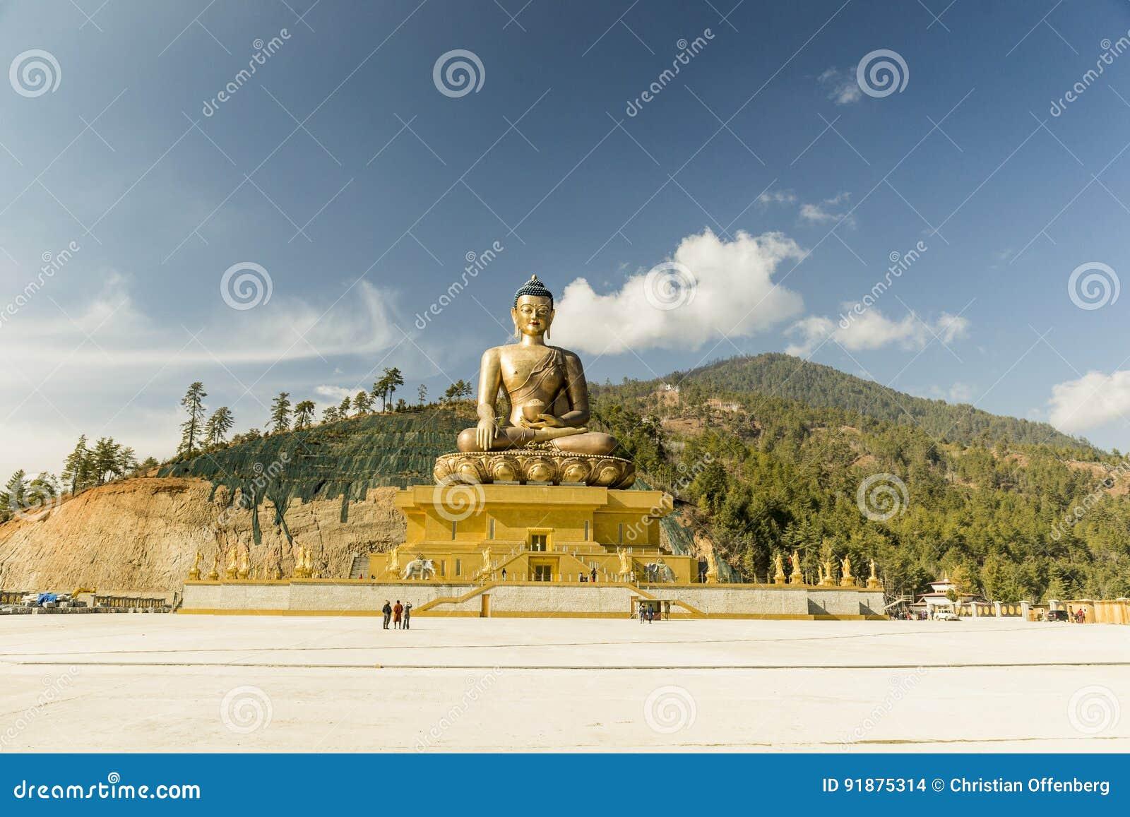 Duży złoty Buddha w Thimpu Bhutan