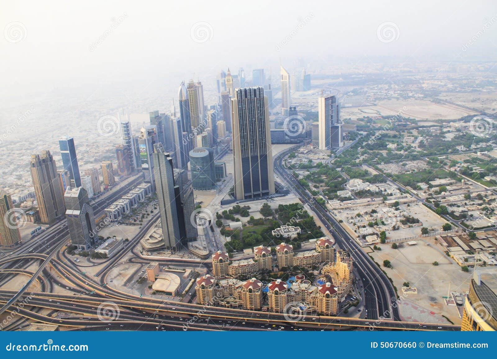 dubai burj khalifa el edificio ms alto del mundo imagen editorial