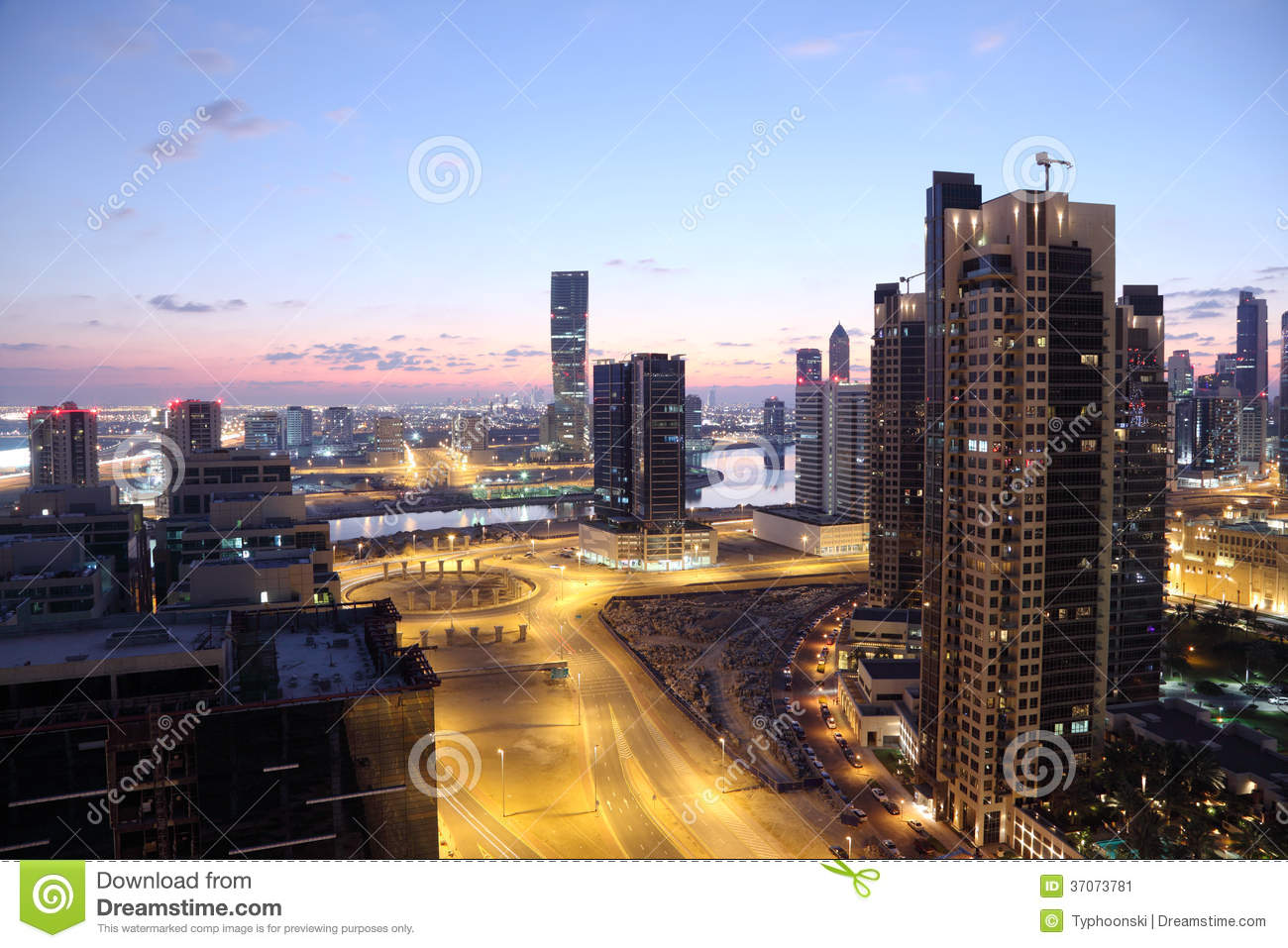 dubai-downtown-dusk-uae-united-arab-emirates-37073781.jpg