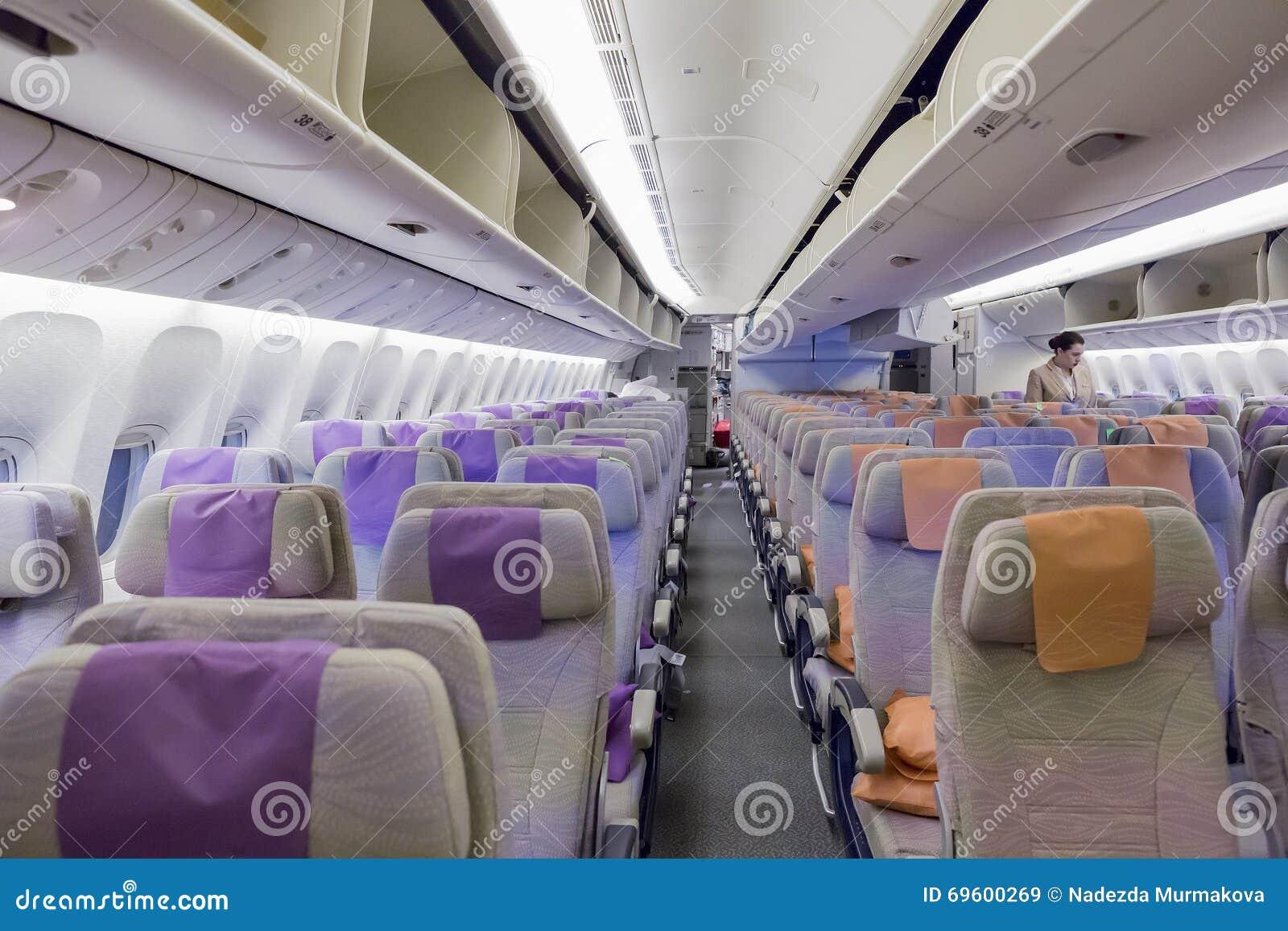 Dubai emirates march 14 2016 boeing 777 emirates for Boeing 777 interior