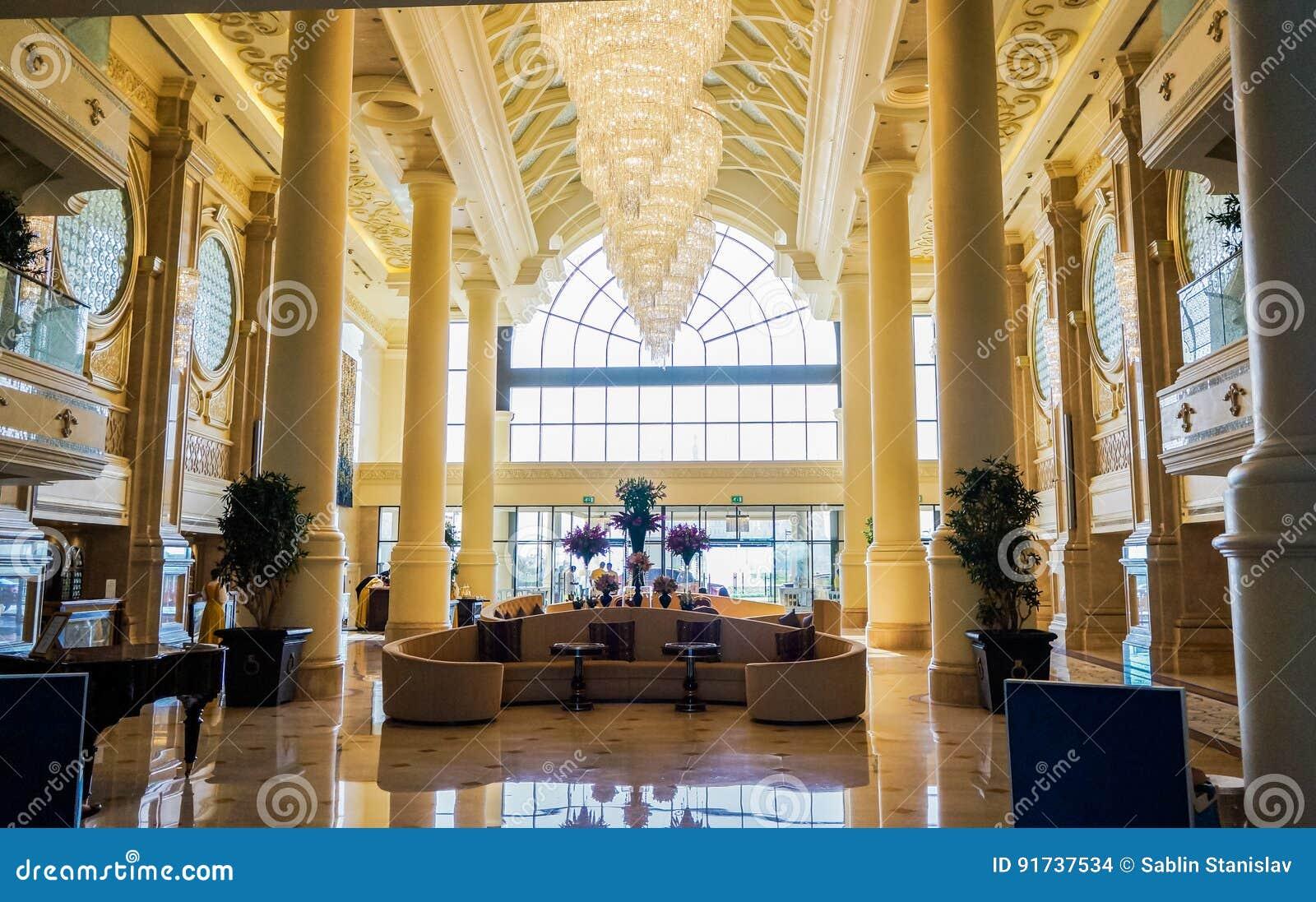 dubai en el verano de decoracin de mrmol interior moderna y brillante en el hotel