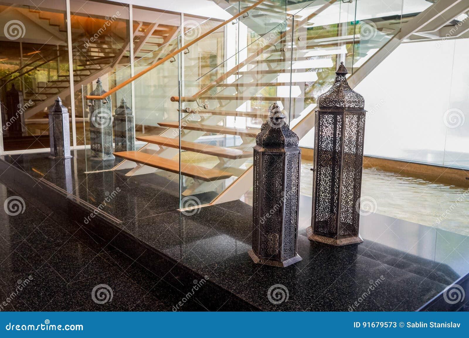 dubai en el verano de decoracin de mrmol interior moderna y brillante en el parque hyatt del hotel abu dhabi