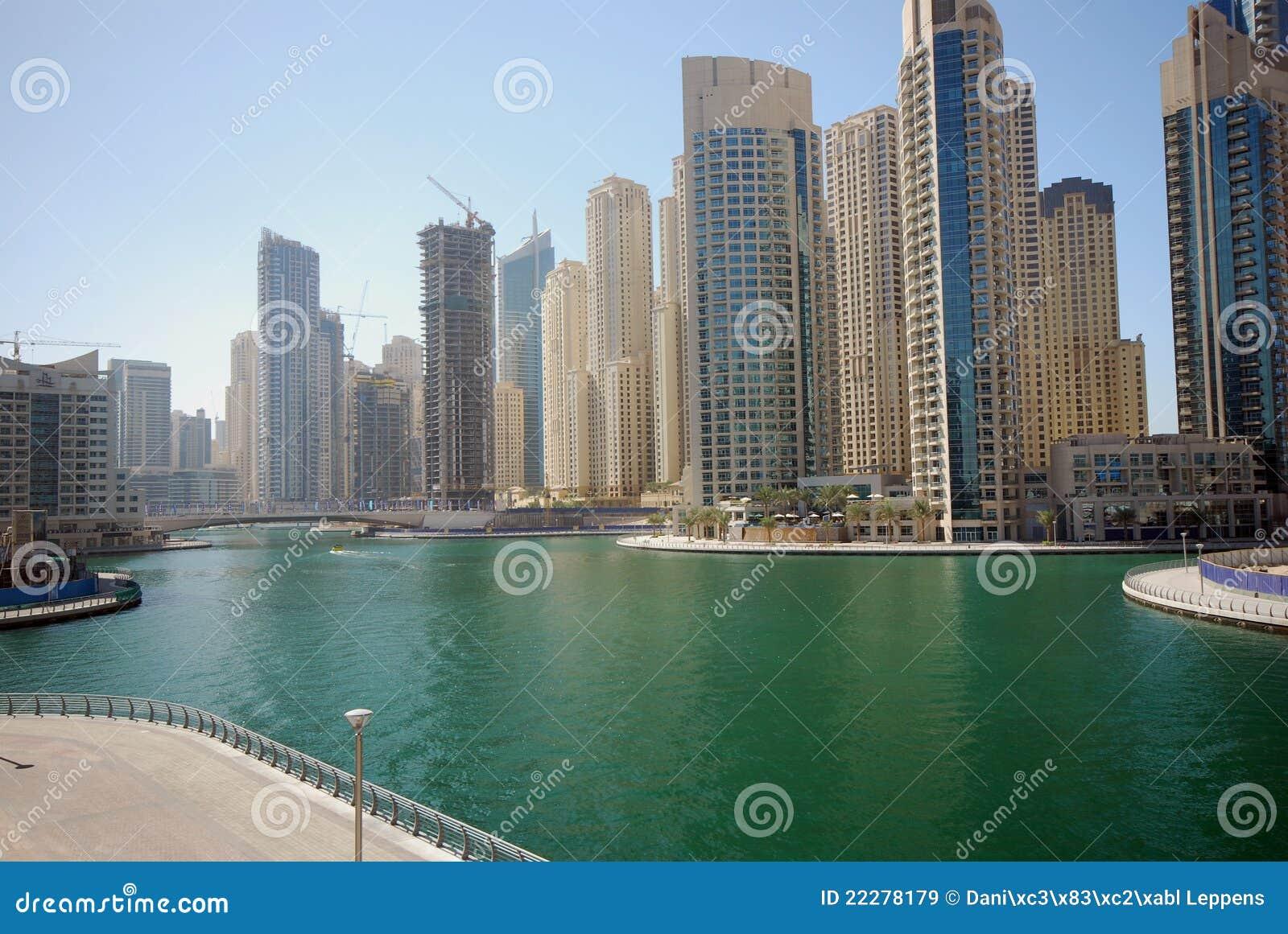 Dubai marina royalty free stock images image 22278179 for Dubai architecture moderne