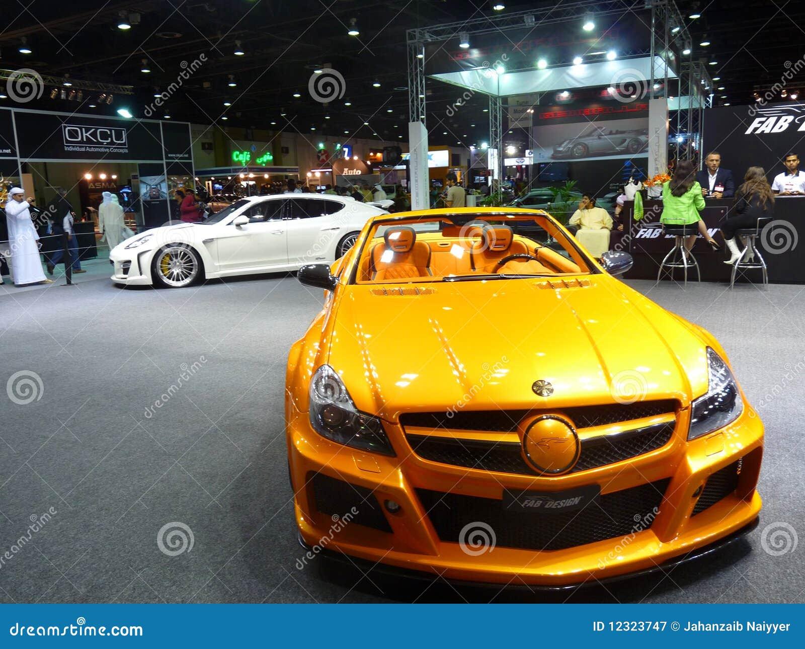Dubai motorshow 2009 coches de lujo fotograf a editorial for Fotos de despachos de lujo