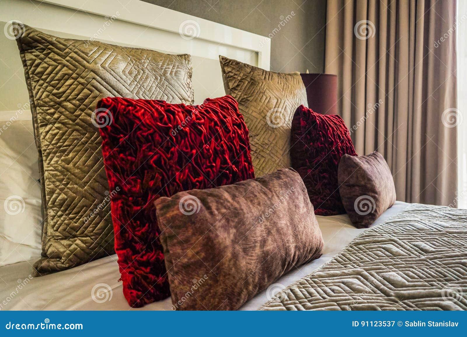 Dubai No verão de 2016 Interior moderno e brilhante no hotel Wyndham Dubai Marina