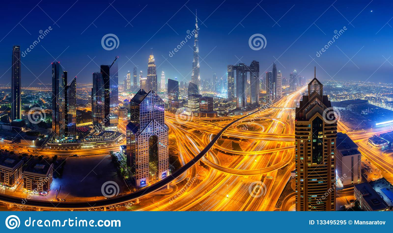 Dubai-Skyline, im Stadtzentrum gelegenes Stadtzentrum
