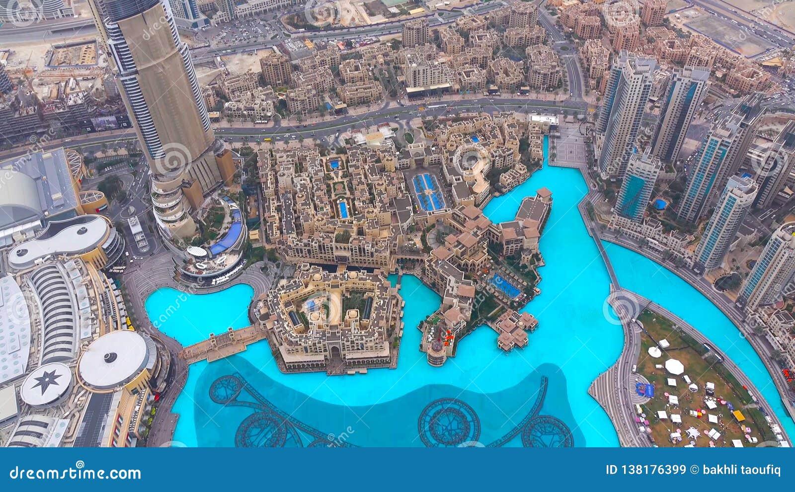 Dubai skyskrapor från över Oerhörd Dubai sikt futuristic horisont Flyg- sikt för Dubai marina Skyskrapasikt 2019