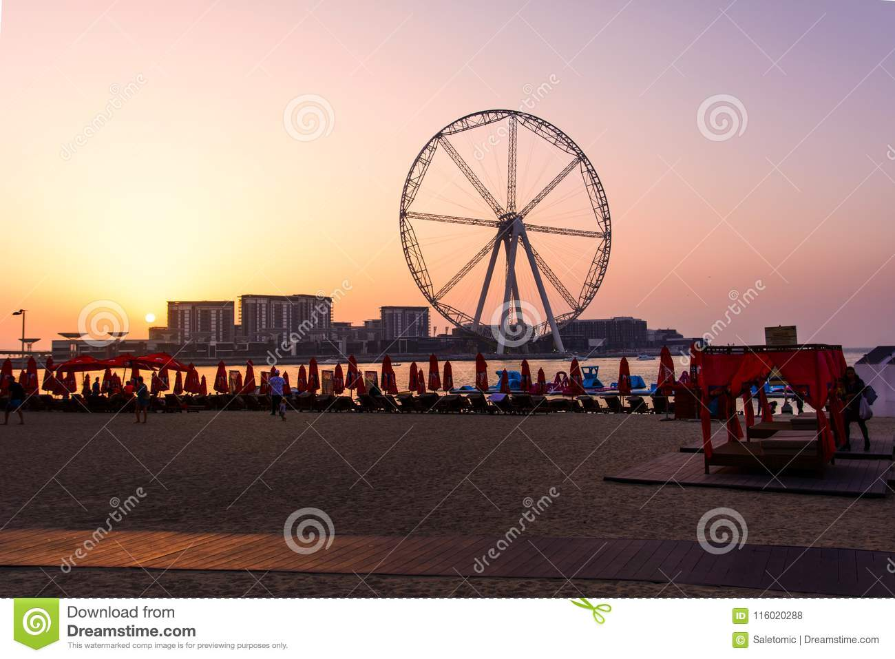 Download Dubai, United Arab Emirates - March 8, 2018: Sunbeds And Romanti Editorial Stock Photo - Image of arab, middle: 116020288