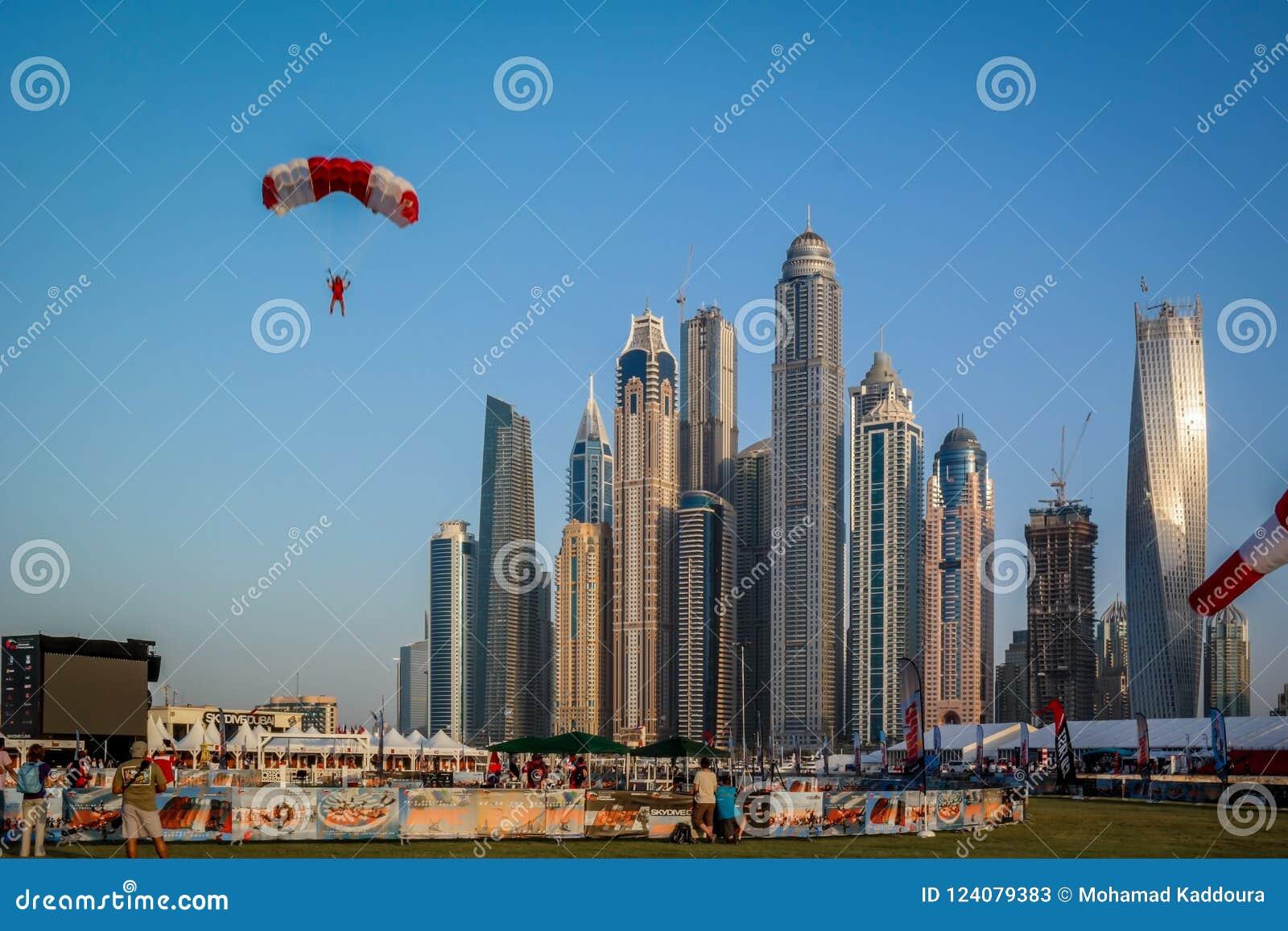 Dubaj Marina epopeja góruje widok i architekturę od skydive Dubaj