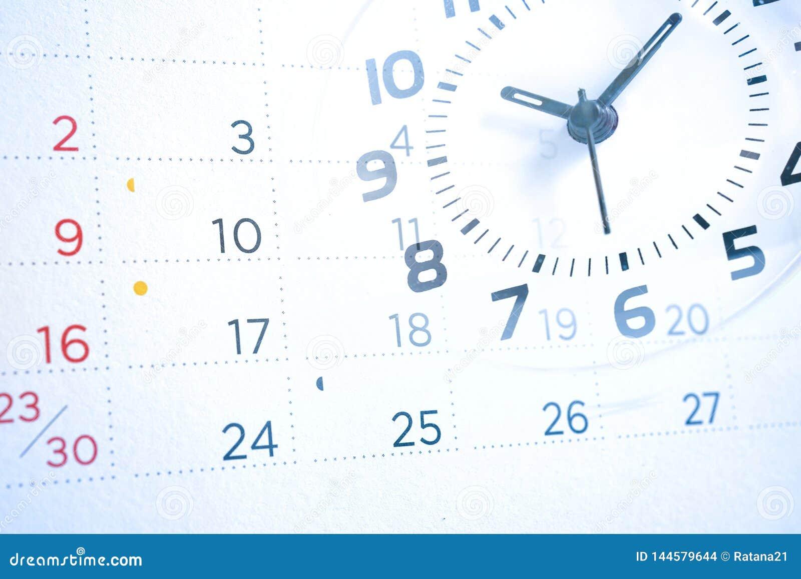 Dubbele blootstelling van kalender en klok, bedrijfsconcept