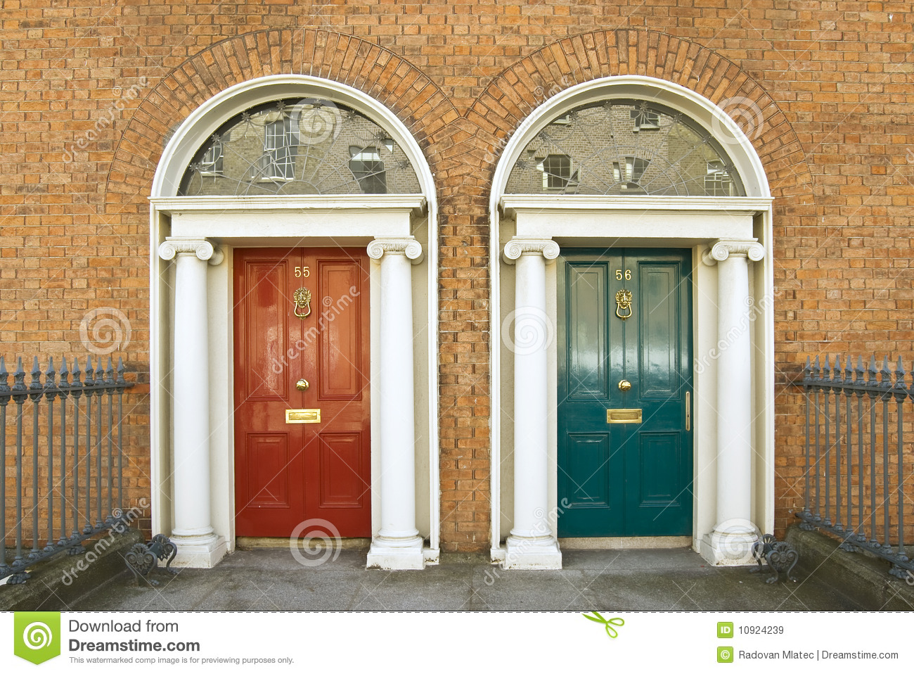 Dublin georgian doors & Dublin georgian doors stock image. Image of building - 10924239