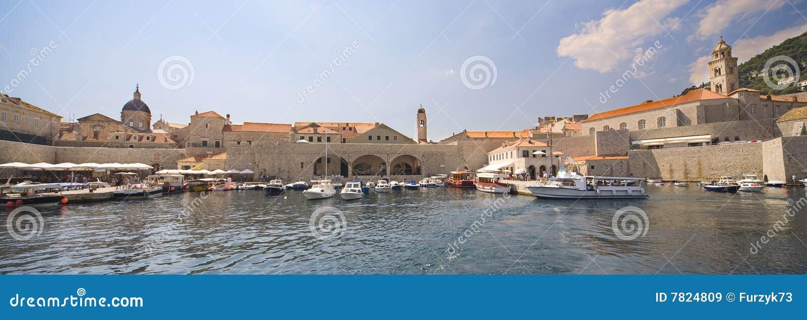 Dubrovnik - panoramische Ansicht von der Küste