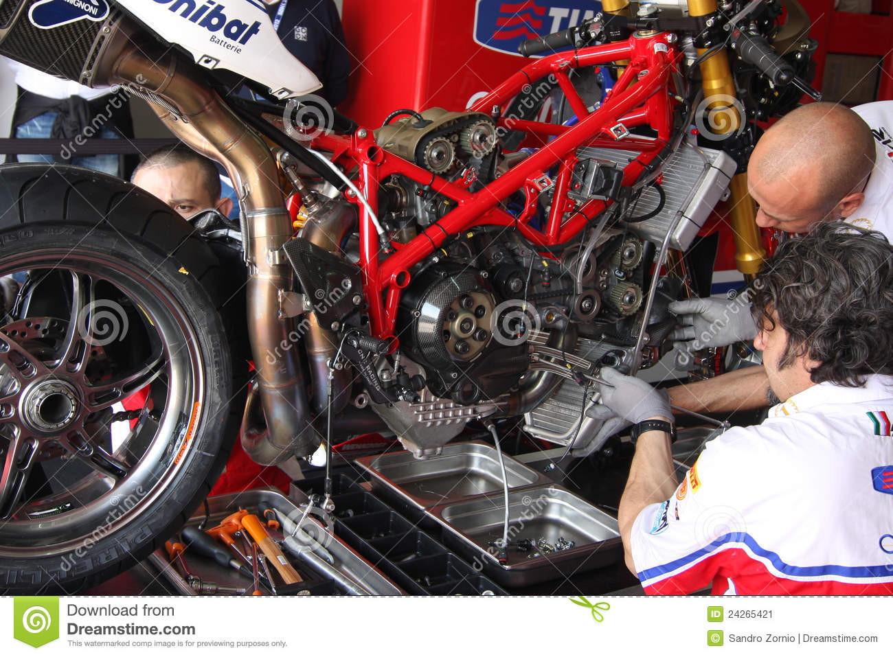 Ducati 1098R - Althea Racing maintenance