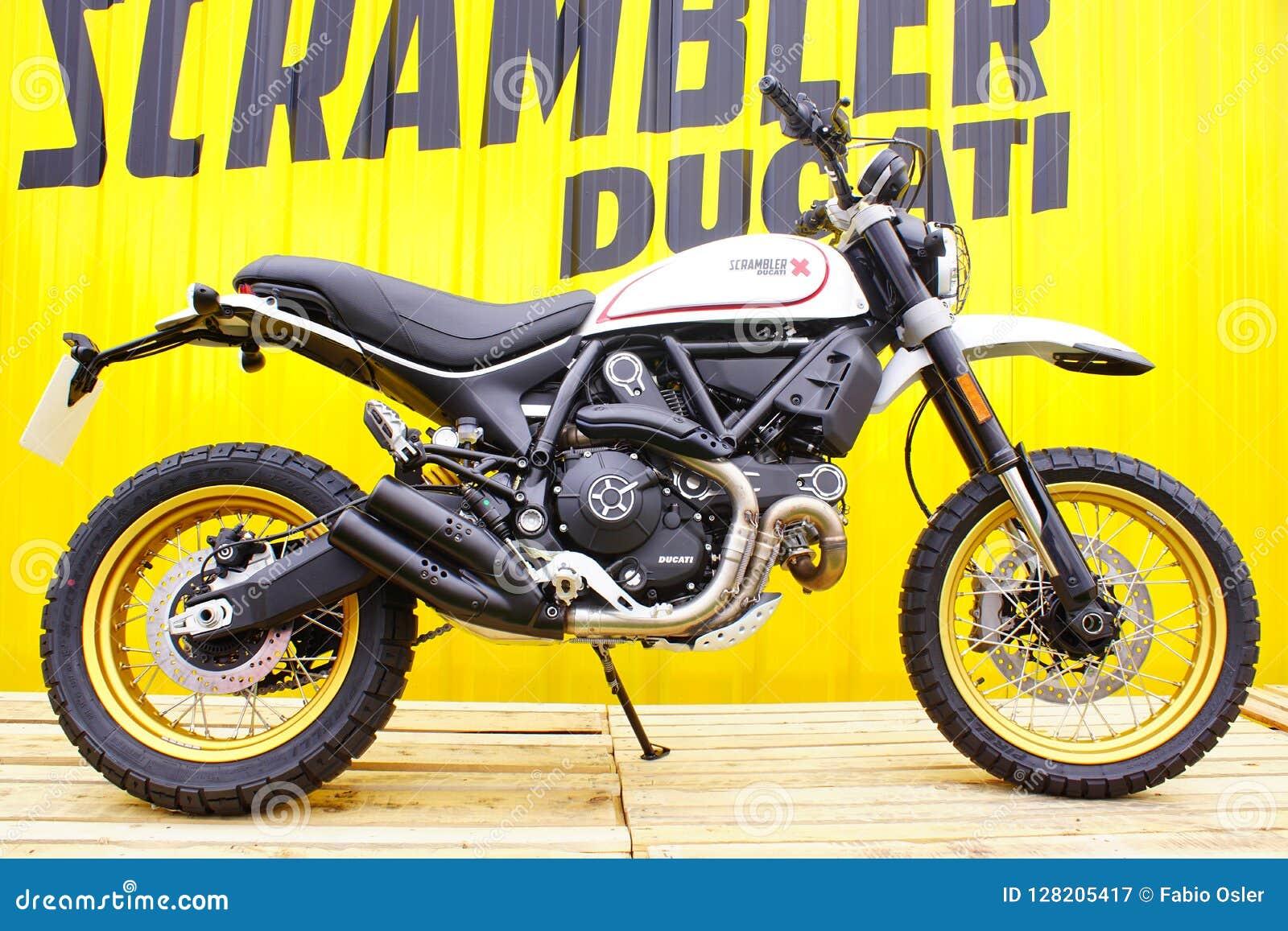 Ducati Scrambler X 400cc.