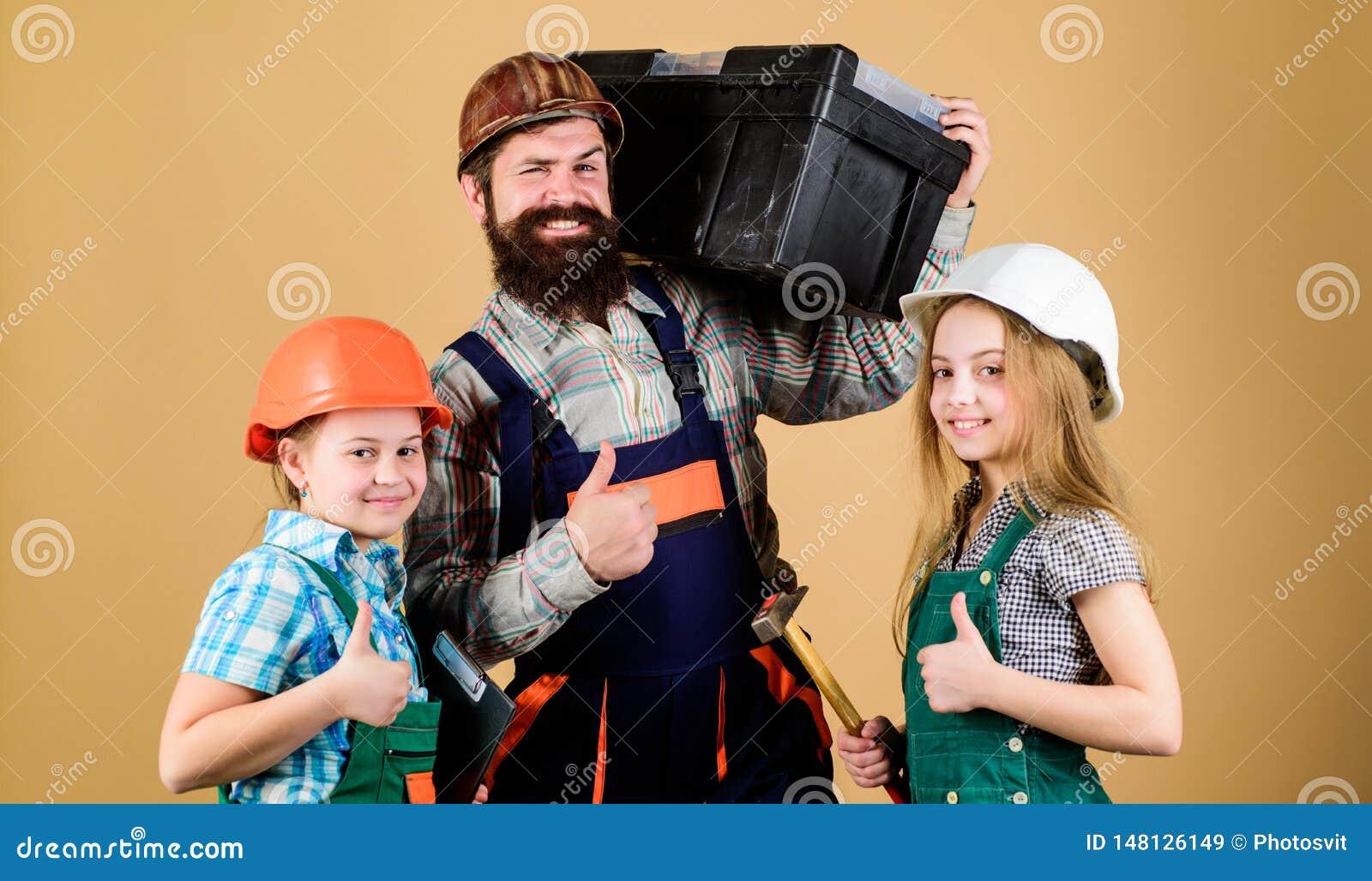 ?ducation informelle Jour de p?res Les soeurs aident le constructeur de p?re Notre papa a les doigts habiles Autoguidez la r?nova