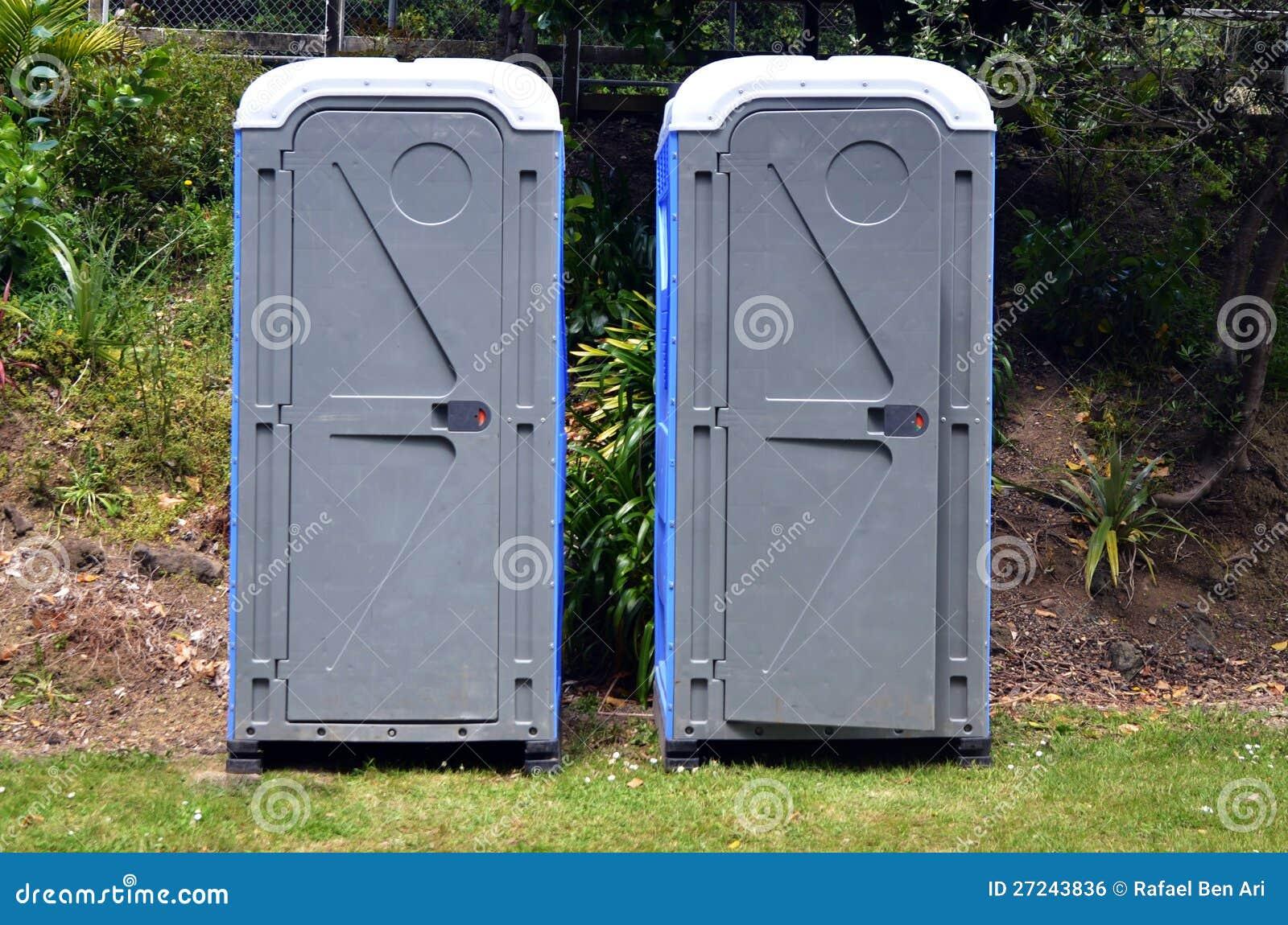 due bagni portatili
