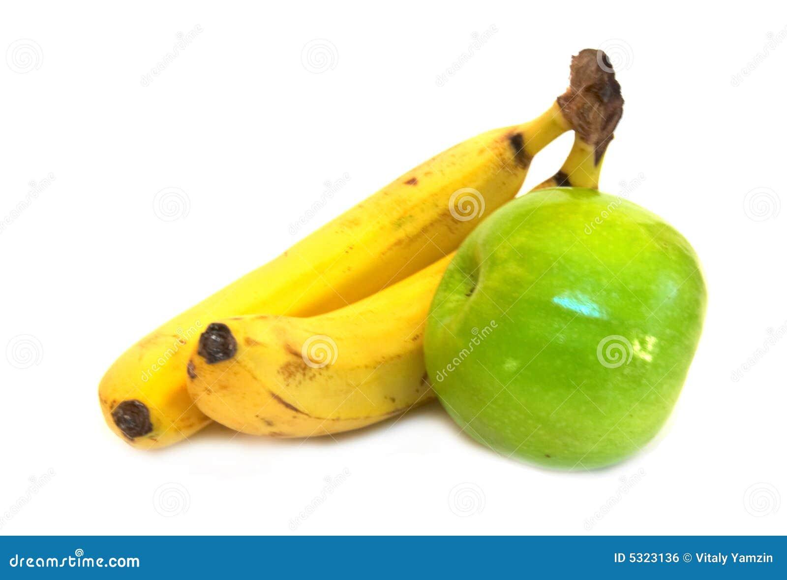 Download Due banane e mela verde fotografia stock. Immagine di composizione - 5323136