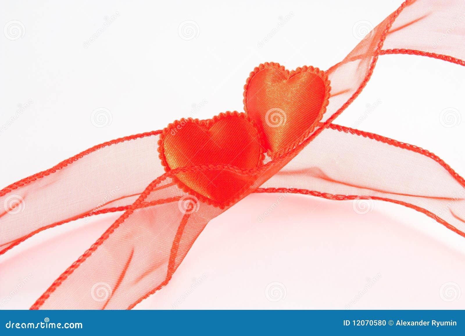 Due cuori di colori rossi