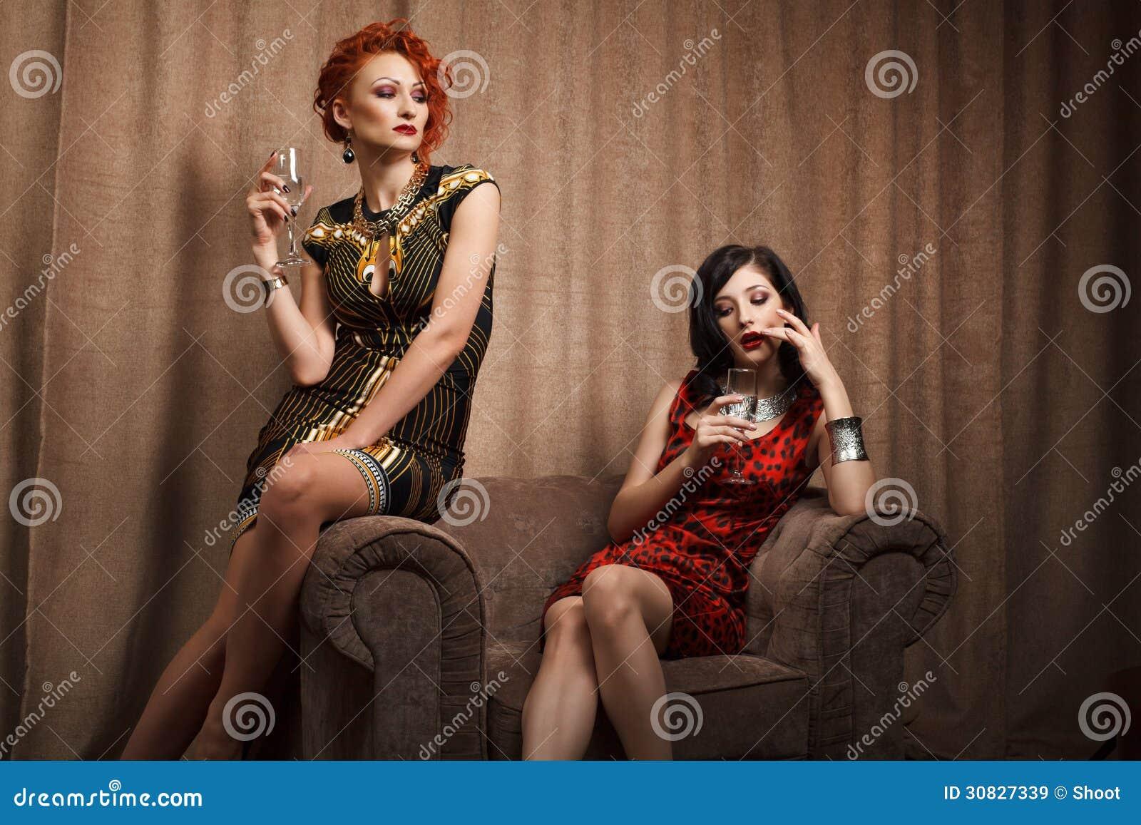 Due donne attraenti