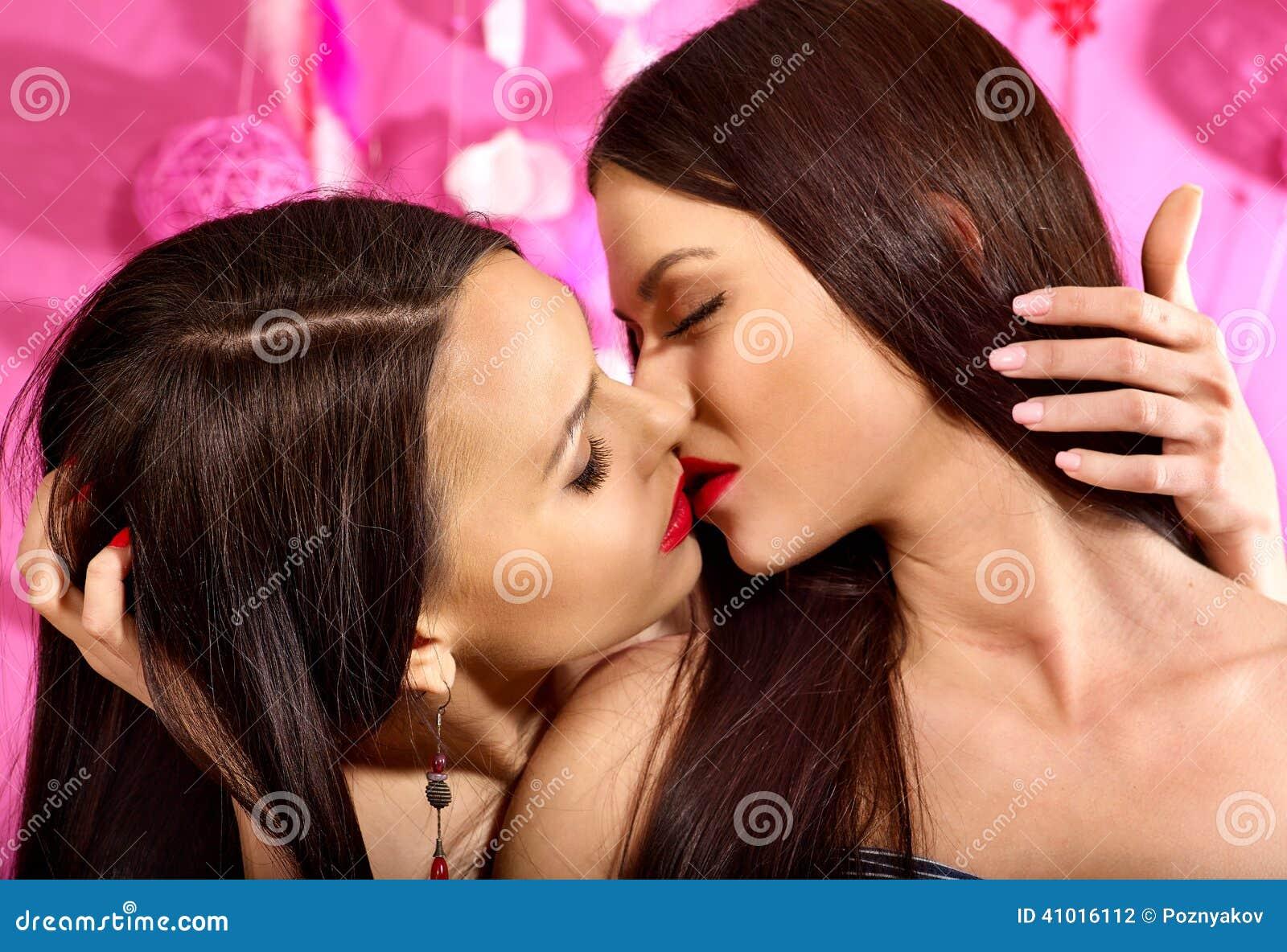 Storie di donne lesbiche-1741
