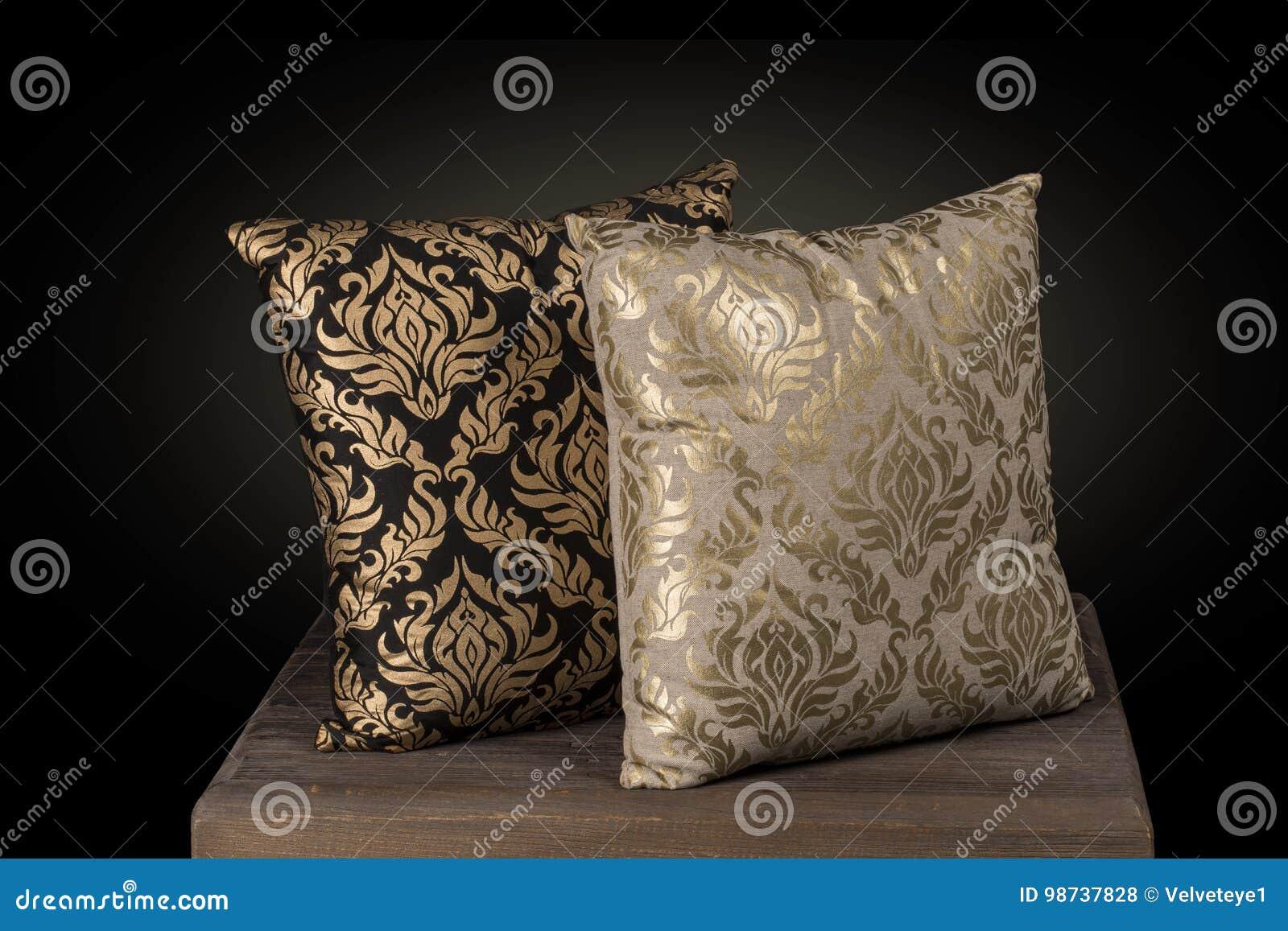 Cuscini Color Oro.Due Fili Di Seta Ricamati Mano Dei Cuscini Del Cuscino Stampano In