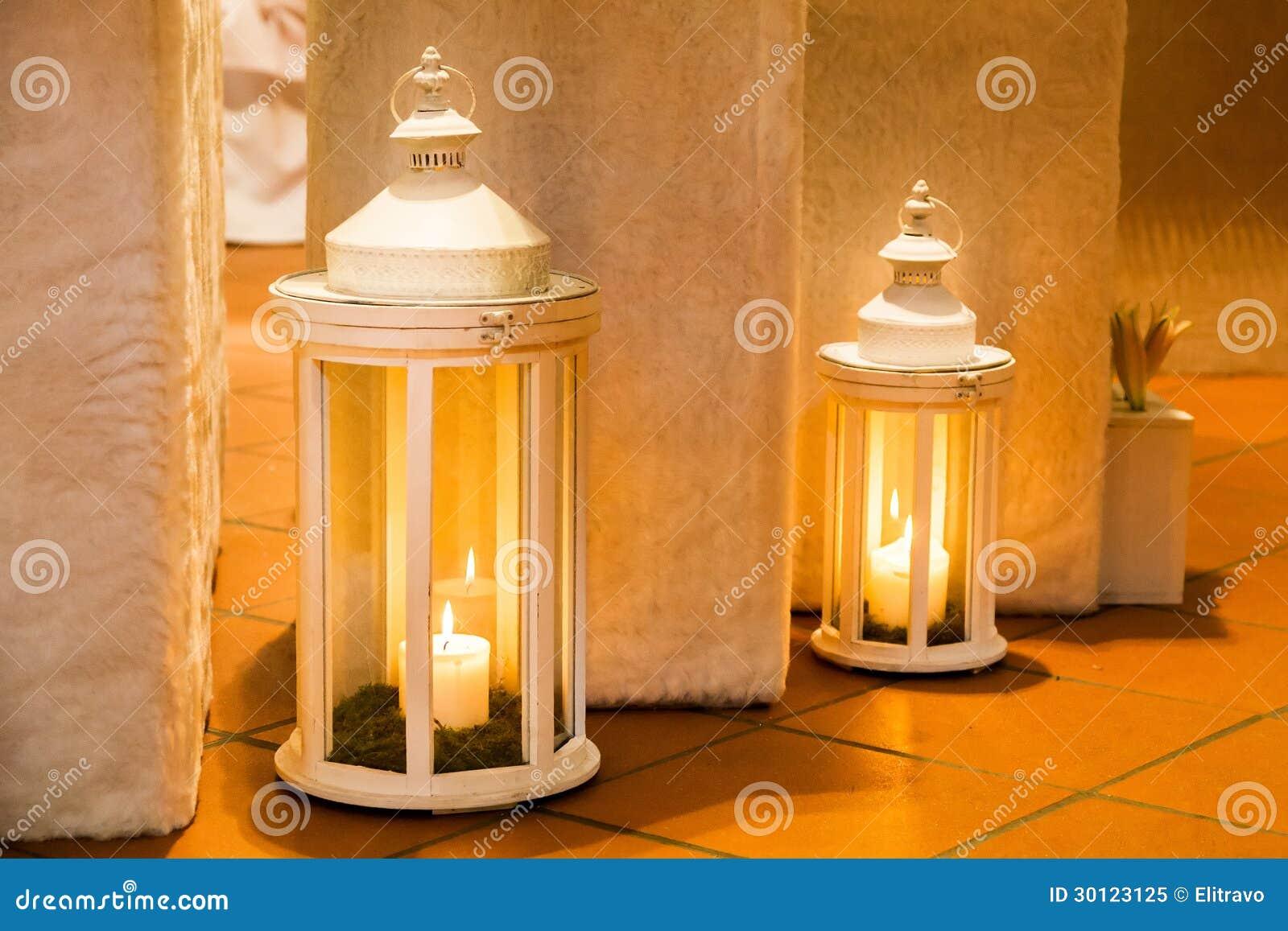 Due lanterne immagine stock immagine di macro bridal for Lanterne bianche