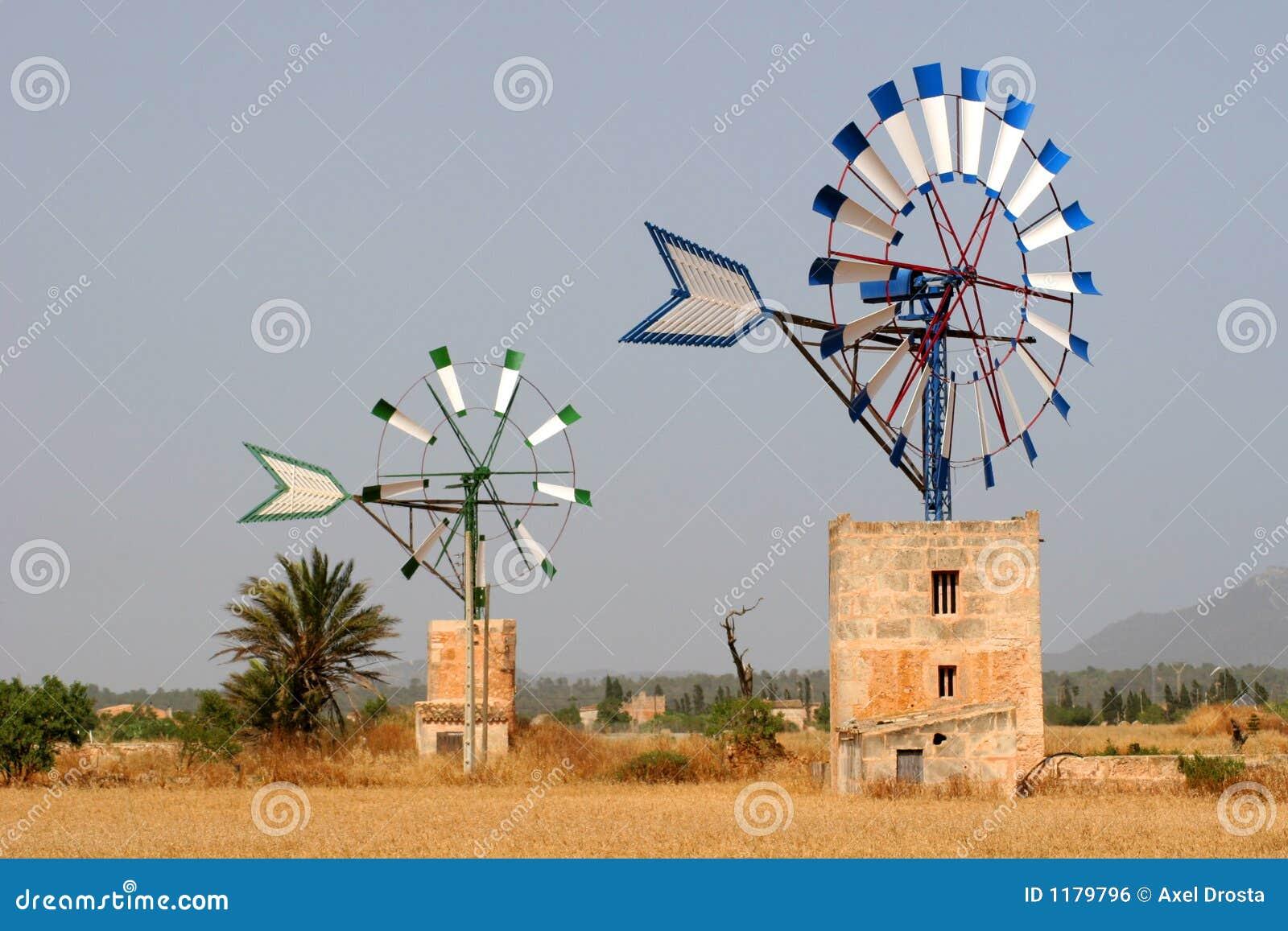 Due mulini a vento