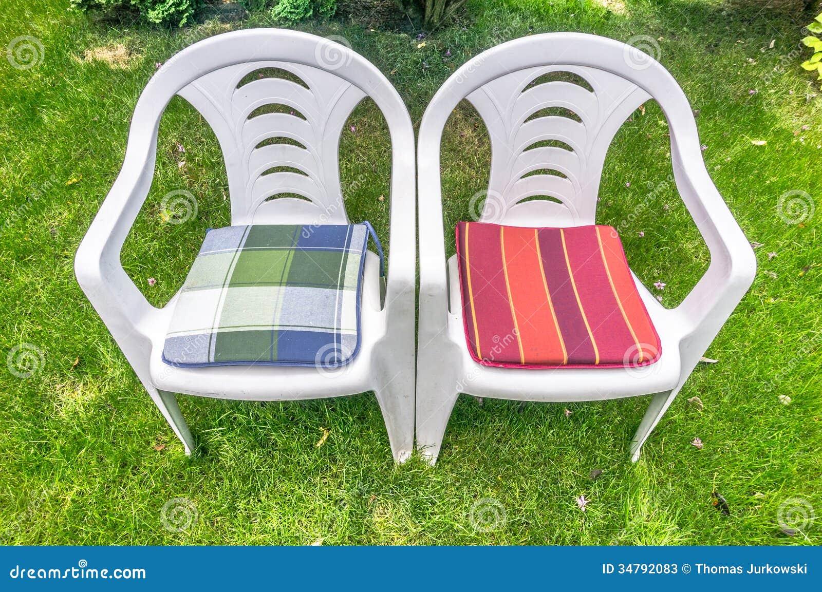 Due sedie vuote fotografia stock   immagine: 34792132